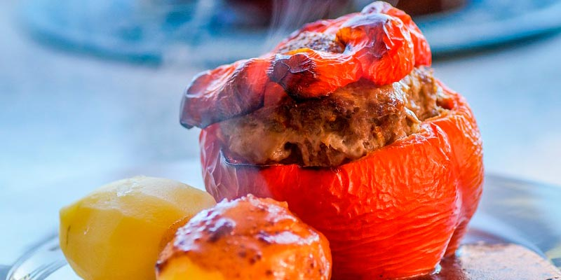Фаршированные мясом перцы в мультиварке